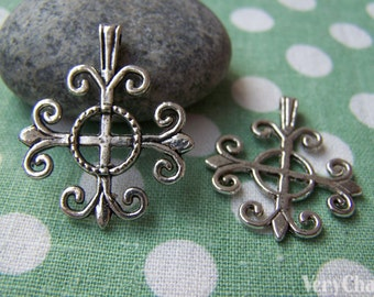 10 pcs of Antique Silver Filigree Lily Flower Cross Charms 25x26mm A1023