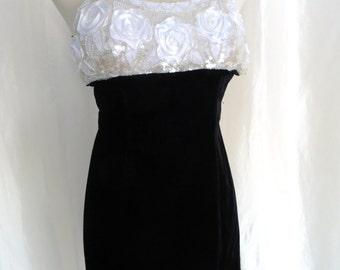 Vintage 80s evening gown formal dress  XS S, beaded sequin long cocktail dress, sexy white black velvet, spaghetti strap, Jessica Mcclintock