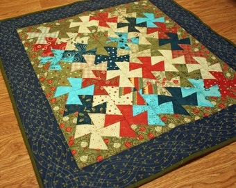 Christmas Table Topper, Hanukkah pinwheel quilted table topper, winter theme, holiday wall hanging, pieced table decor, Quiltsy handmade