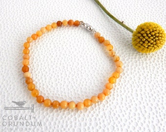 Yellow (Ochre) Agate bracelet with sterling silver magnetic clap | small gemstone 4,5mm round