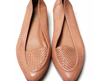 80's peach woven leather flats shoes