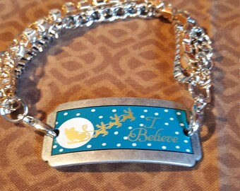 I BELIEVE BRACELET - With Santa on his Sleigh - Blue/Silver/Snow Pattern - Adorable !