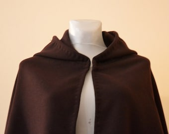 Viking Cloak for Woman based on Valkyrie Figure, Woman Medieval Mantle, History Clothing, Living History