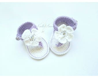 Crochet baby sandals, gladiator sandals, baby girl slippers, baby booties, shoes, white, lavendar, gift for baby, summer shoes