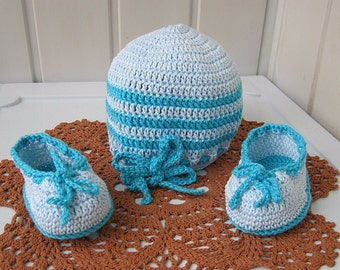 Booties for the baby, knitted hat, knitted booties, cap and booties for the baby, baby gift, baby blue set, ready to be shipped.