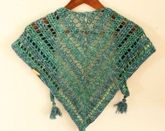 Triangle crochet scarf, Triagle Shawlette, Blue crochet scarf, Boho crochet scarf, Blue neck warmer, Mermaid crochet shawl,Blue crochet cowl