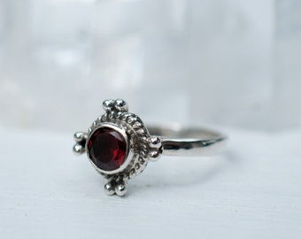Garnet Ring ~ Sterling Silver 925 ~ Jewelry ~ Handmade ~ Everyday ~ Casual ~ Delicate ~ Gift ~ Boho~ Hippie ~ Bohemian ~ January ~ MR015