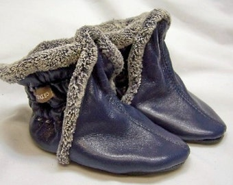 Baby booties boots - navy leather booties warm for winter - handmade boots - booties for winter