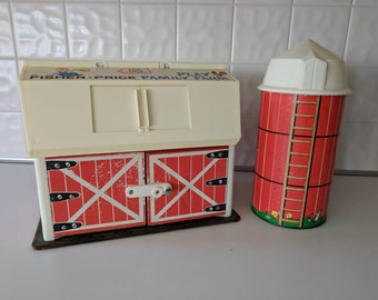 Vintage 1967 Fisher Price Barn & Silo Toy, Great Condition!