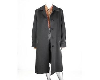 Long vintage coat made of pure virgin wool