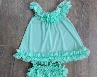 Gorgeous outfit for a baby girl size 6 to 12 months. RTS photography prop