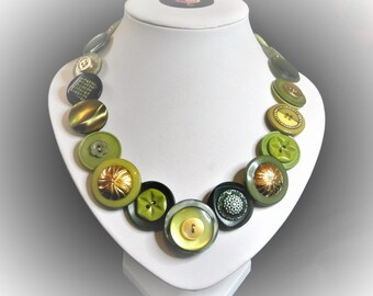 Button necklace Green and Gold. Gift for her, boho necklace, statement necklace, unique gift, buttons, handmade jewelry, Mothers Day, OOAK