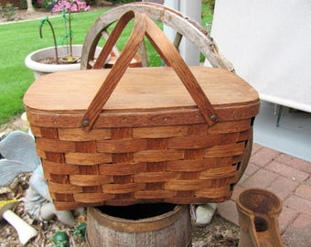 Lidded Picnic Basket with Handles / Storage Basket