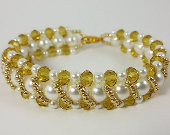 White Pearl Bracelet, Crystal Bracelet, Crystal Jewelry, Mothers day gift, Girlfriend Gift, Gift for Her, Wedding Bracelet, Bridal Bracelet