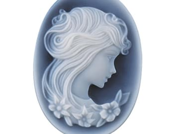 Oval 30 x 22mm Two-Layer Black Agate Portrait Cameo
