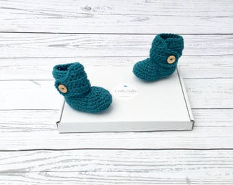 baby booties crochet | crochet baby shoes | gender neutral baby bootees | green baby shoes | baby gift