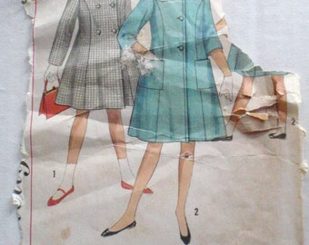 1960's Girl's Princess Seam Coat Sewing Pattern - Simplicity 7406 - Size 10, Breast 28