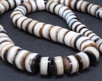 Ancient Suleimani banded agate beads strand. Yemen. Tribal, ethnic jewelry