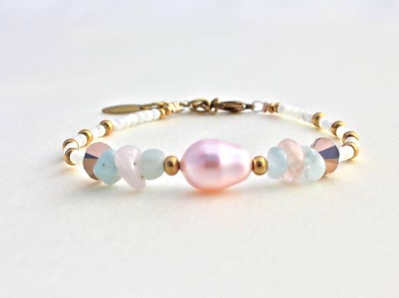 bracelet pierres fines et perle swarovski mariage : morganite, aigue marine et nacre blanche