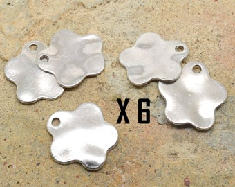 6 x battered wavy flower silver charm