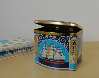 Vintage Nautical Ship Tin - Hinged Lid