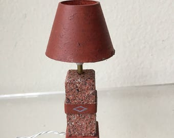 """Dollhouse Miniature South Western Textured Table Lamp 1"""" Scale (DC)"""