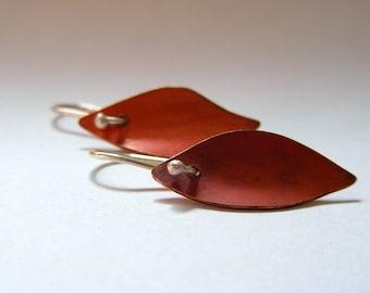 COPPER LEAF EARRINGS. leaf earrings, copper earrings, silver earrings, boho earrings, nature earrings, silver dangle, dangle earrings, leafs
