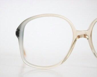 dove fade eyeglass frames / vintage