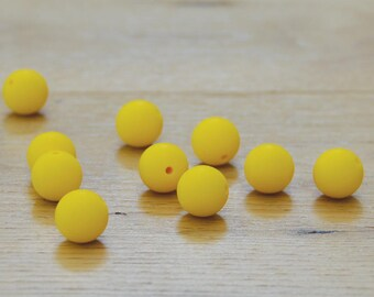 BRIGHT YELLOW//15mm Round Silicone beads//Yellow silicone beads//10 pack