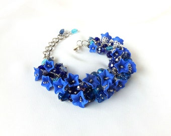 Bluebell Czech glass crystal beads cluster bracelet, charm beaded bracelet, blue flower floral jewelry, bluebells flowers, navy blue jewelry