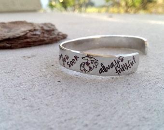 Marine Wife Bracelet - Marine Girlfriend Bracelet - USMC - Marine Wife Jewelry - Deployment Gift - Marine Mom Bracelet - Marine Jewelry