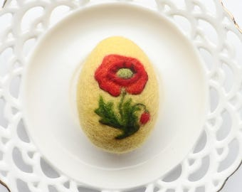 Needle Felted Easter Egg Decoration, Easter Egg Handmade, Yellow Wool Egg with Red Poppy, Ideal Easter Gift, Easter Decoration