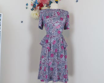 1940s Style Dress - Floral Dress - Peplum Waist - 1980s - Blue Purple White - Tie Back - Short Sleeve - Made In USA - Size Small Medium