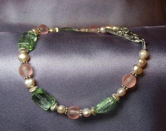 Pretty in Pink Vintage German Glass and Pink Pearl Bracelet