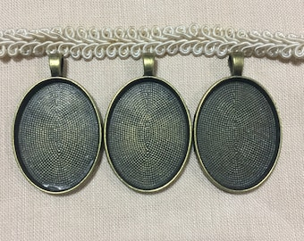3 Oval pendant tray Picture frame locket,25x32 mm Metal bronze locket necklace,Embroidery Cross stitch pendant frame,DIY wedding photo charm