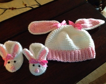 Bunny hat and booties ...0 to 6 months ...Ready to Ship!