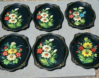 Wonderful Vintage Set of Hand Painted Collectible Russian Khokhloma Trays