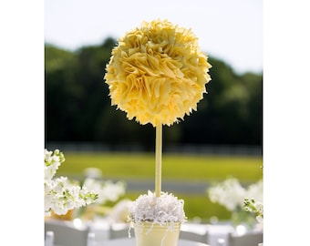 Baby shower centerpiece / Baptism centerpiece / Bridal shower centerpiece. Christening centerpiece. Wedding shower / Yellow centerpiece