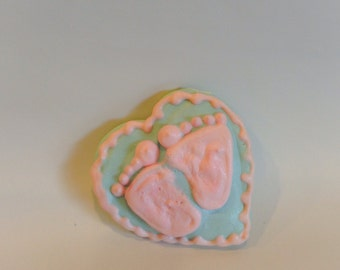 Meringue cookies - baby feet