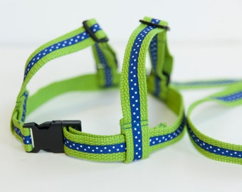 Child Harness. Baby & Toddler harness, walking lead.Cotton webbing leash. Lime Green webbing and Blue Ribbon.