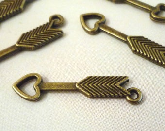 Set of 10 charms - arrow with heart - Bronze - 30x7mm