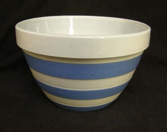 "VINTAGE T.G.Green Cornishware 5"" Pudding or mixing bowl - green shield backstamp"
