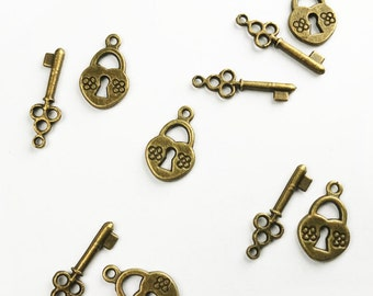 3 Sets Lock And Key Set In Antique Bronze - Small