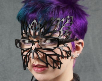 Lacy Leaf Mask for Eyeglasses in black