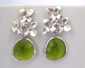 Green Earrings, Glass Earrings, Flower Earrings, Green Apple, Silver Peridot, Bridesmaid Earrings, Bridesmaid Jewelry, Bridesmaid Gift