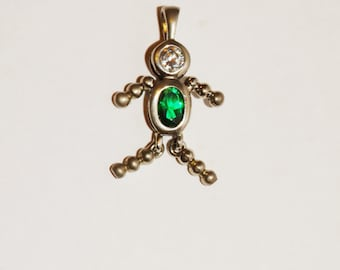 Vintage Small Sterling Silver Green/ White stones Pendant.