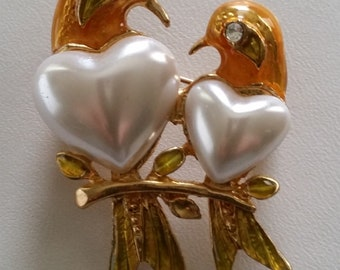 Vintage Wonderful Pair Of Love Birds Brooch ~ Beautiful Unique Figural Vintage Jewelry