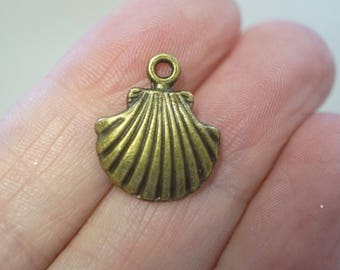 10 Metal Antique Bronze Shell Charms - 18mm