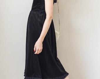 Vintage 70s demure velvet dress SIZE SMALL