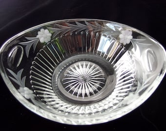 Heisey Cut Crystal Oval Bowl, Starburst, Panels and Flowers, Smooth Edge Vintage Glass Bowl